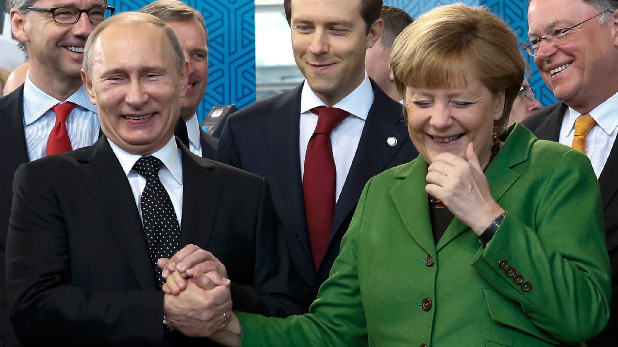 http://komitetns.org/wp-content/uploads/2015/11/Merkel-C5-9Fi-Putin.jpg